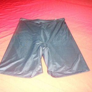 SPANX Shapewear PLUS SIZE Shorts-  Size 1X/TG